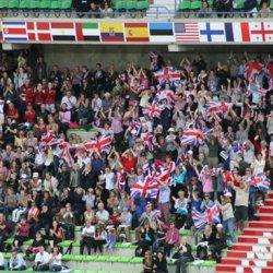 brit-crowd