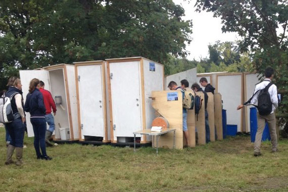 Very French: open-air loos for the spectators.