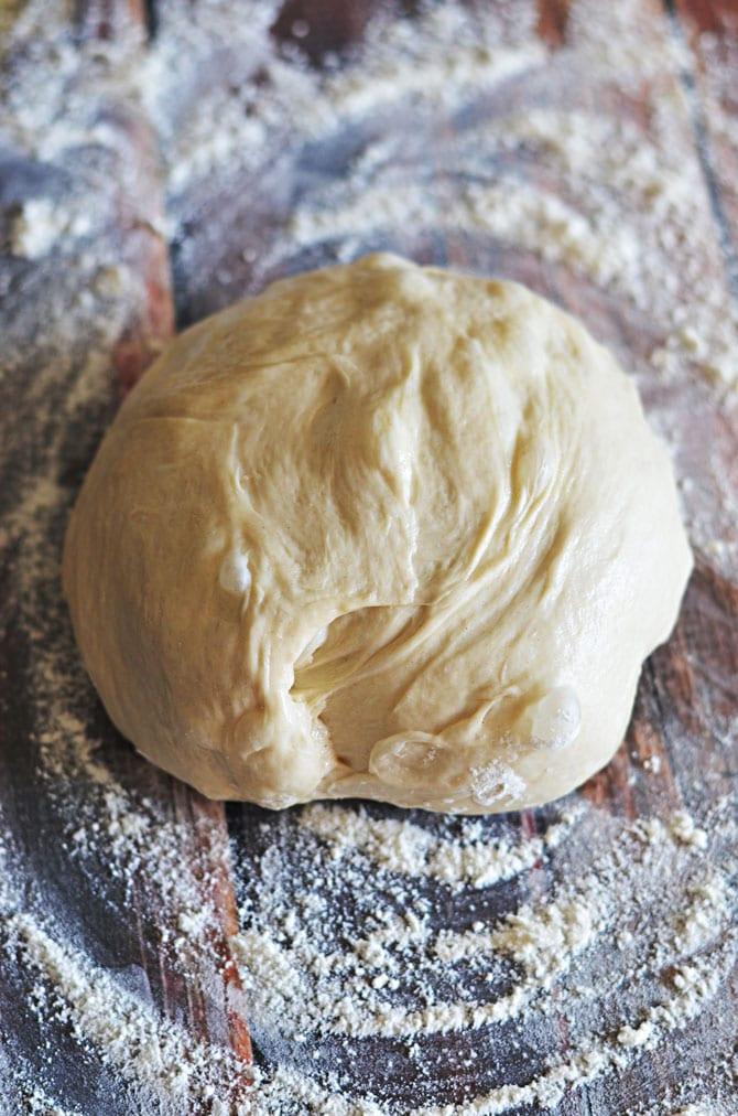 Sun-Dried Tomato & Feta Pull-Apart Garlic Knots. Frozen bread dough ...