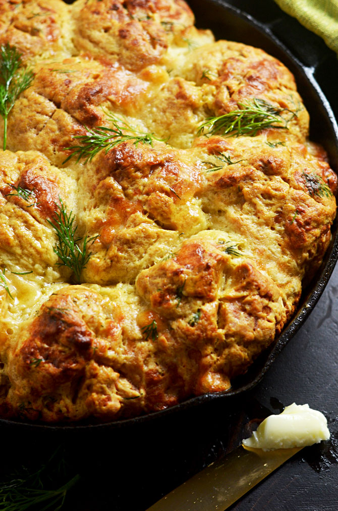 Dubliner Dill Skillet Irish Soda Bread (Cheese and Herb Soda Bread). This is a St. Patrick's Day must-make. So good when they're warm and freshly buttered. <3 | hostthetoast.com