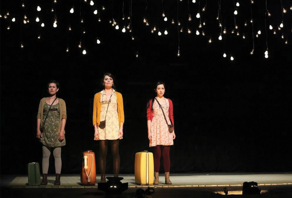 http://www.actitudfem.com/guia/vida-y-estilo/el-amor-de-las-luciernagas-resena-de-la-obra-de-teatro