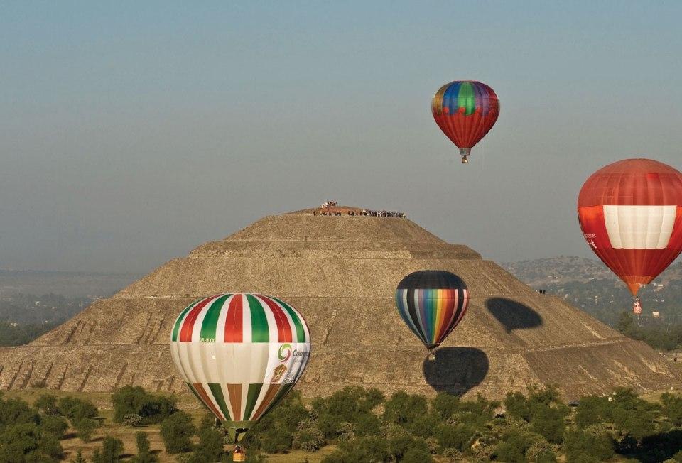 http://www.linternainformativa.com.mx/globos-aerostaticos-en-el-cielo-de-teotihuacan/
