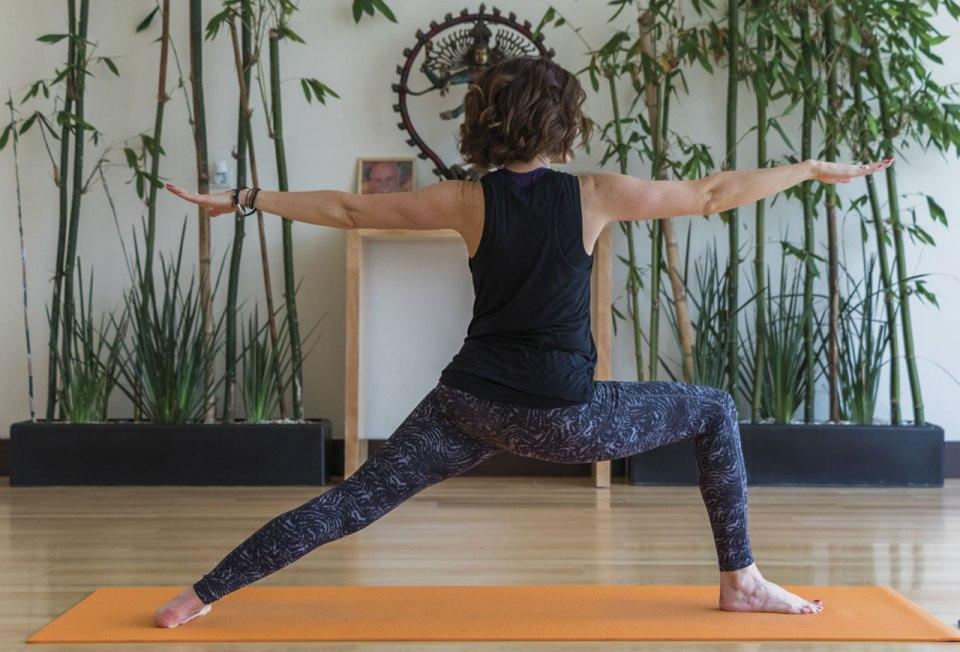 http://christiangonzalez.com/fotos/o2-yoga-polanco/