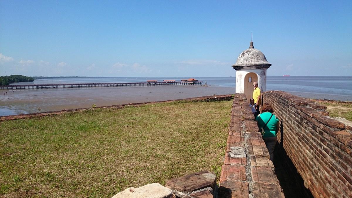 Amazonas. Pontos turísticos na maior reserva florestal do mundo.