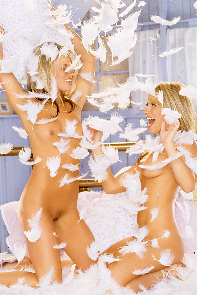 brooke vikki twins naked