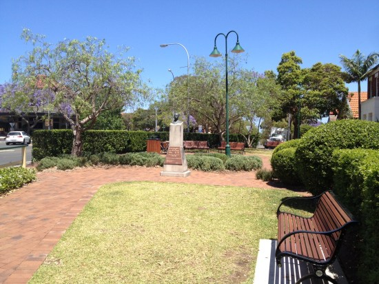 Bloom is next door to this lovely park and yes, just another beautiful Spring day in Sydney.