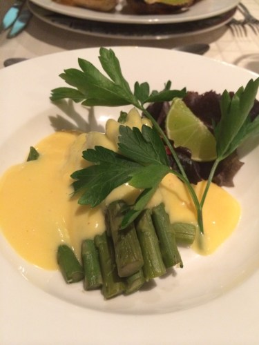 Steamed asparagus, hollandaise a l'orange