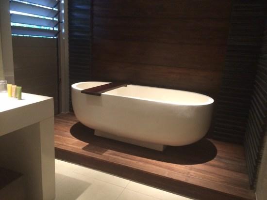 A very spacious bathroom
