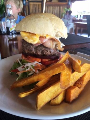 Blue Hole Burger:  1600 vt