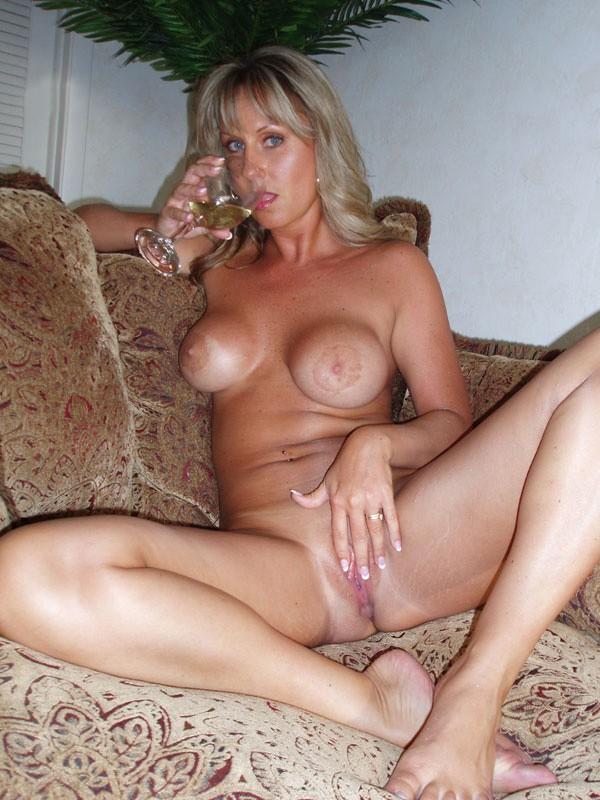 elizabeth blonde hottie watchersweb