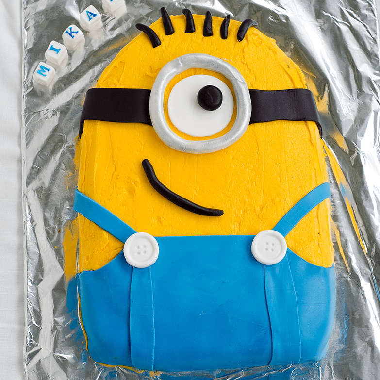 How to make a Minion cake - with pictures