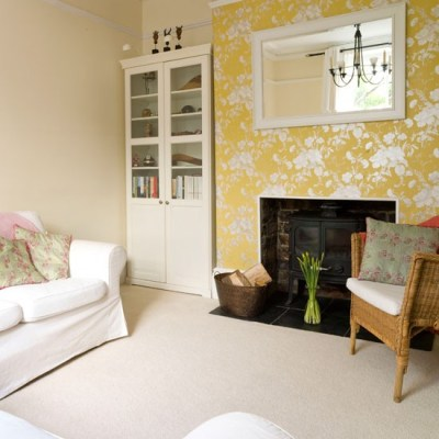 Cosy living room with floral wallpaper | Living room decorating | housetohome.co.uk