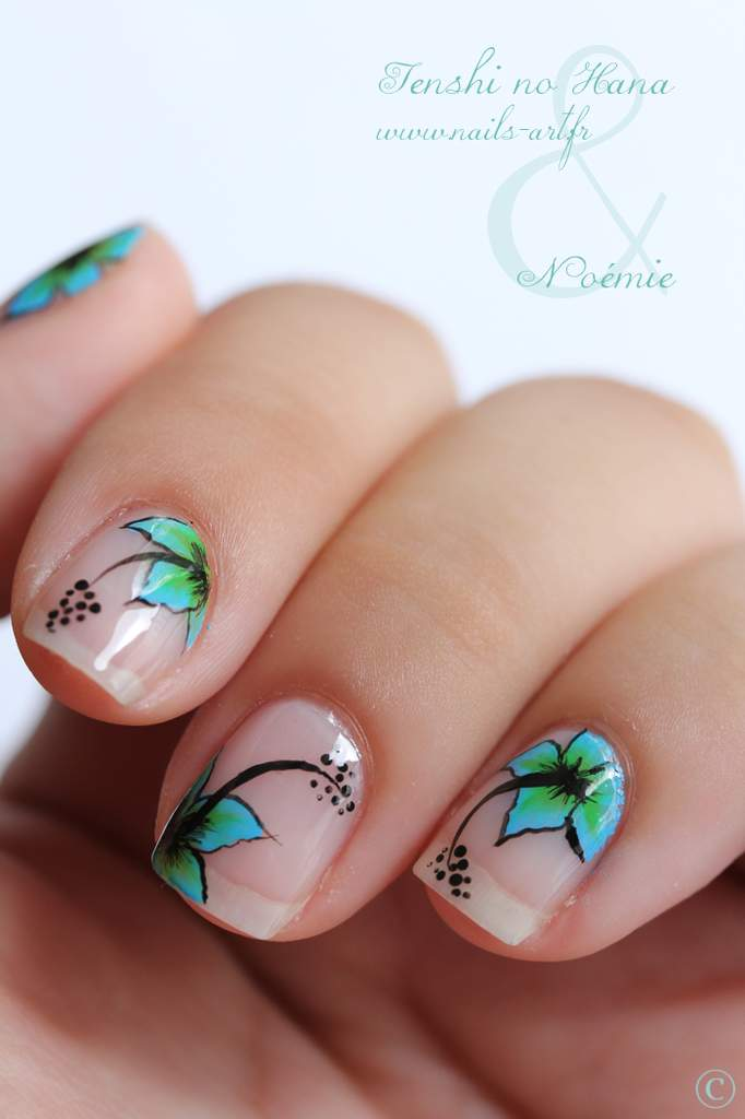 Tropical flowers nail art