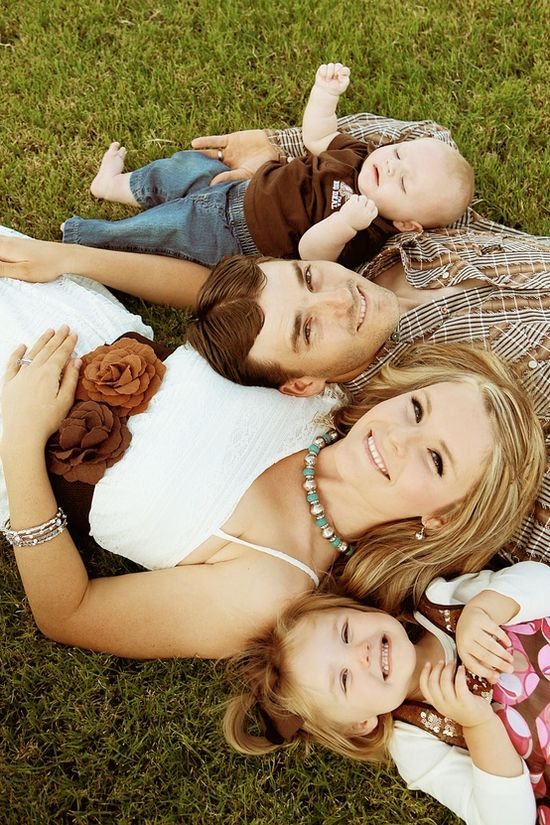 Lovely Family Photo Ideas