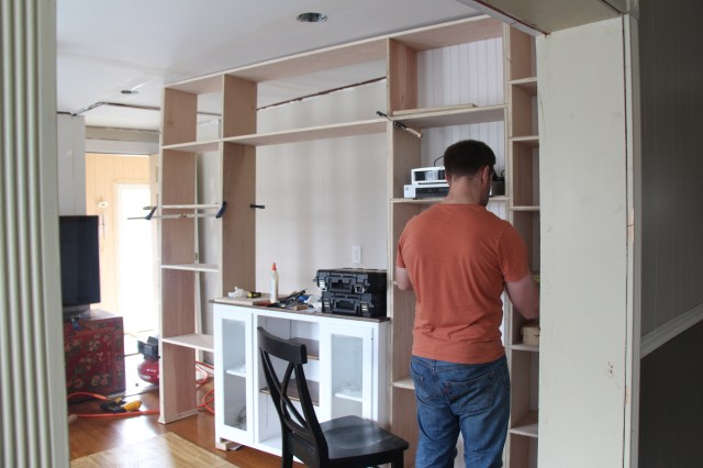 First floor living room: Construction