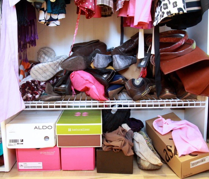 Minimize | The shoe closet: before