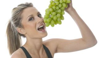 Eat-grapes-lose-weight