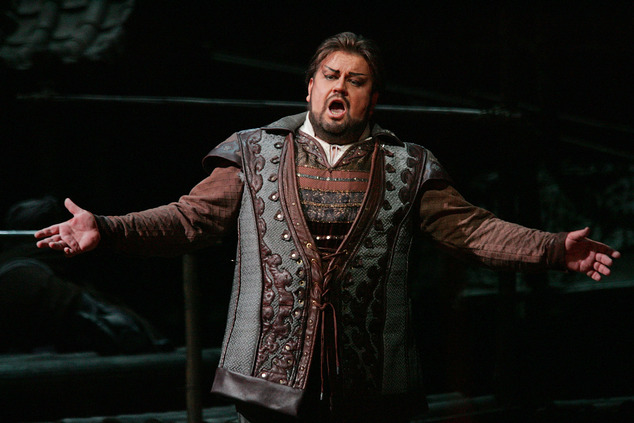 """FILE - In this Dec. 31, 2004  file photo South African tenor Johan Botha sings the role of Calaf during a dress rehearsal of Giacomo Puccini's opera """"Turandot"""" at the Metropolitan Opera in New York. An artist agency who worked with star tenor Johan Botha says he has died Thursday, Sept. 8, 2016 in Vienna, where he made his home. He was 51. (AP Photo/Hiroko Masuike)"""