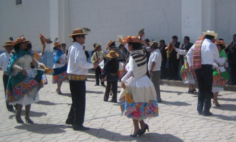 dancing-santiago-mantaro-valley-peru