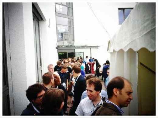 Schlange beim Barcamp Karlsruhe 2011 zum Mittagessen