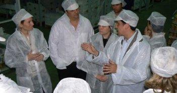 Visita a Pesasur de la presidenta del Parlamento vasco.