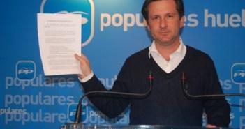 Gómez Cueli, diputado provincial y alcalde de Gibraleón.