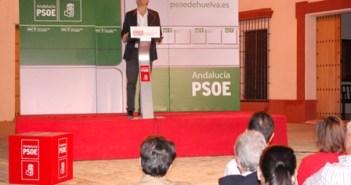 Mario Jiménez en el acto del PSOE en Villalba del Alcor.