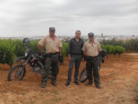 El alcalde con los guardías rurales.