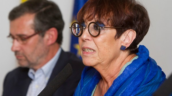 Maruja Torres fue presentada por Rafael Terán. (Foto: Julián Pérez)