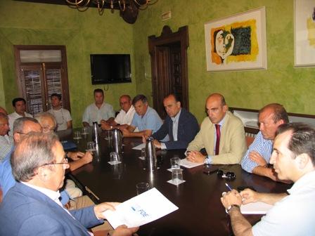 Consejo Empresarios de Almonte con el alcalde