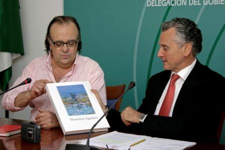 Florencio Aguilera y el consejero Paulino Plata. (Julián Pérez)