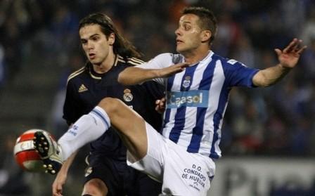 Camuñas en un partido del Recre contra el Real Madrid.