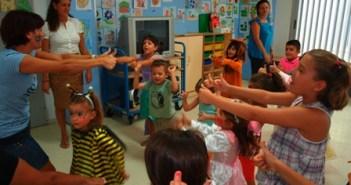 Niños en una actividad.