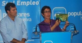 María Sacramento en una rueda de prensa.