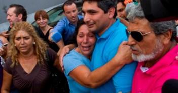 Juan José Cortés, en el momento de salir en libertad después de haber estado detenido dos días y prestar declaración. (Julián Pérez)