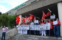 Protesta de los trabajadores de la limpieza en el hospital.