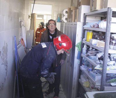 Incendio en el centro de salud de Nerva. (José Carlos Sánchez)