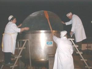 Jabugo cocido La olla tiene dos metros de dimámetro.
