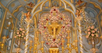 Bonares se apresta a vivir los días grandes de sus cruces.