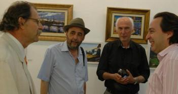 Autores en la exposición junto a Manuel Remesal.