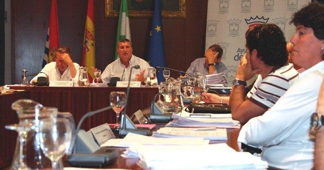 El alcalde de Cartaya en una sesión plenaria anterior.