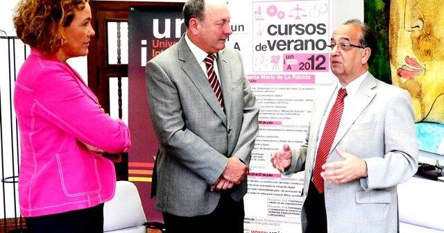 Directora de la UNIA en La Rábida, director de Cepsa y rector de la UNIA.