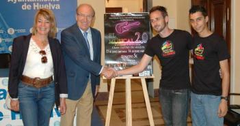 Presentación del musical en el Ayuntamiento de Huelva.