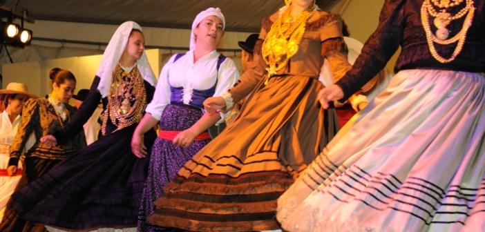 Festival de Danzas de Villablanca. (Niko Ávila)