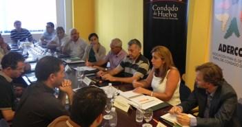 Reunión de la consejera con los regantes en Bonares.