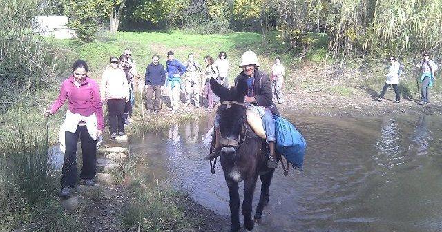 Participantes en la jornada de senderismo de Ayamonte.