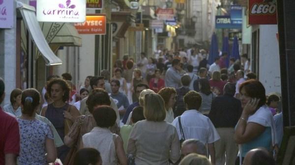Las Calles del Centro, punto neurálgico del sector Servicios en Huelva. (Julián Pérez)