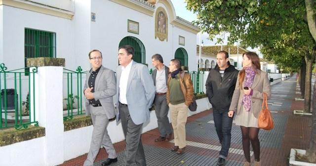 Visita del delegado a Hinojos.
