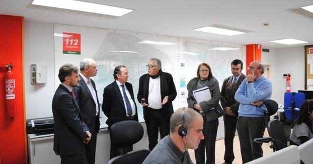 Visita del consejo al 112 en Huelva.