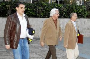 Imagen de archivo de la detención del que fuera jefe provincial de Tráfico, Andrés Sánchez Buenaposada. (Foto: ED/El Mundo Huelva Noticias)